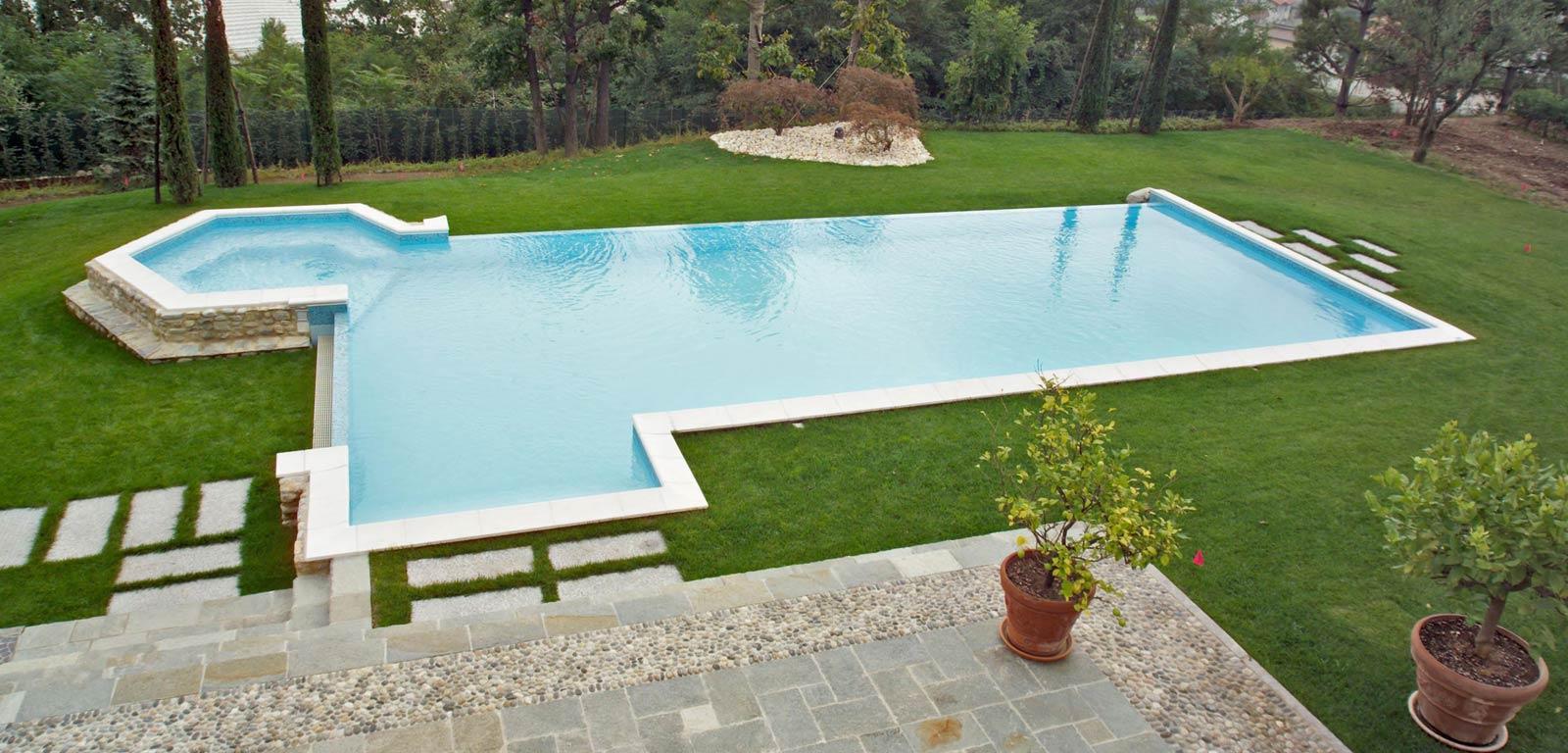 Sfioro a cascata per piscine interrate cvp italia for A forma di piani di casa con piscina