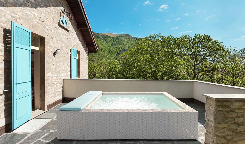 Piscine fuoriterra modello playa vendita piscine fuori for Laghetto da interno